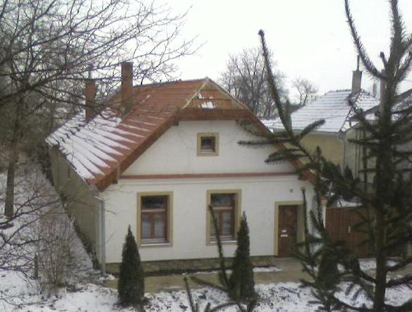 Falu végén van a házunk...